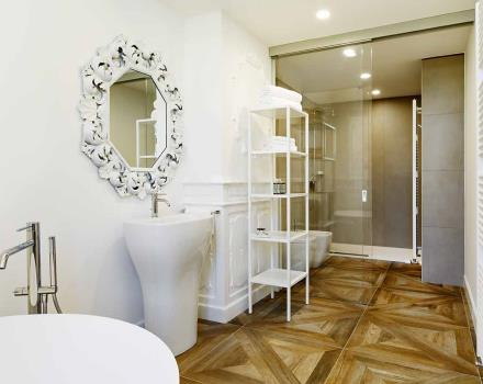 Bathroom Suite - Best Western Plus Royal Superga Hotel 3-star