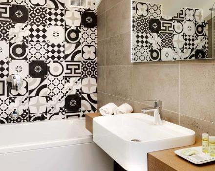 Bathroom Suite-Best Western Hotel Royal Superga