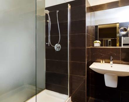 Bathroom Superior Room-Best Western Plus Royal Superga Hotel Cuneo